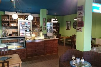 Montys Deli Café