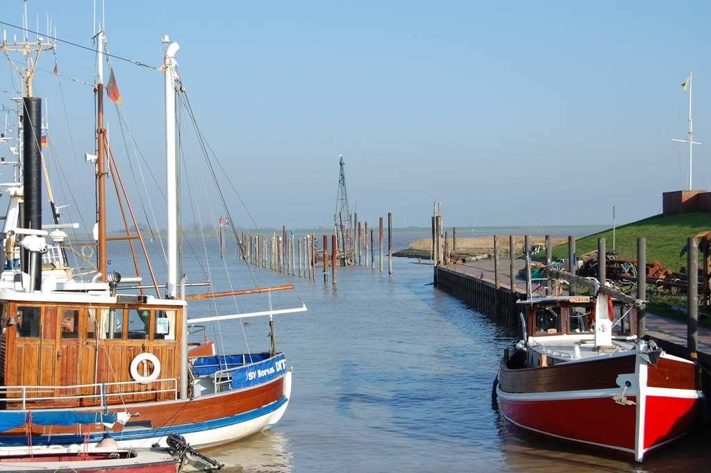 Kutter im Ditzumer Hafen