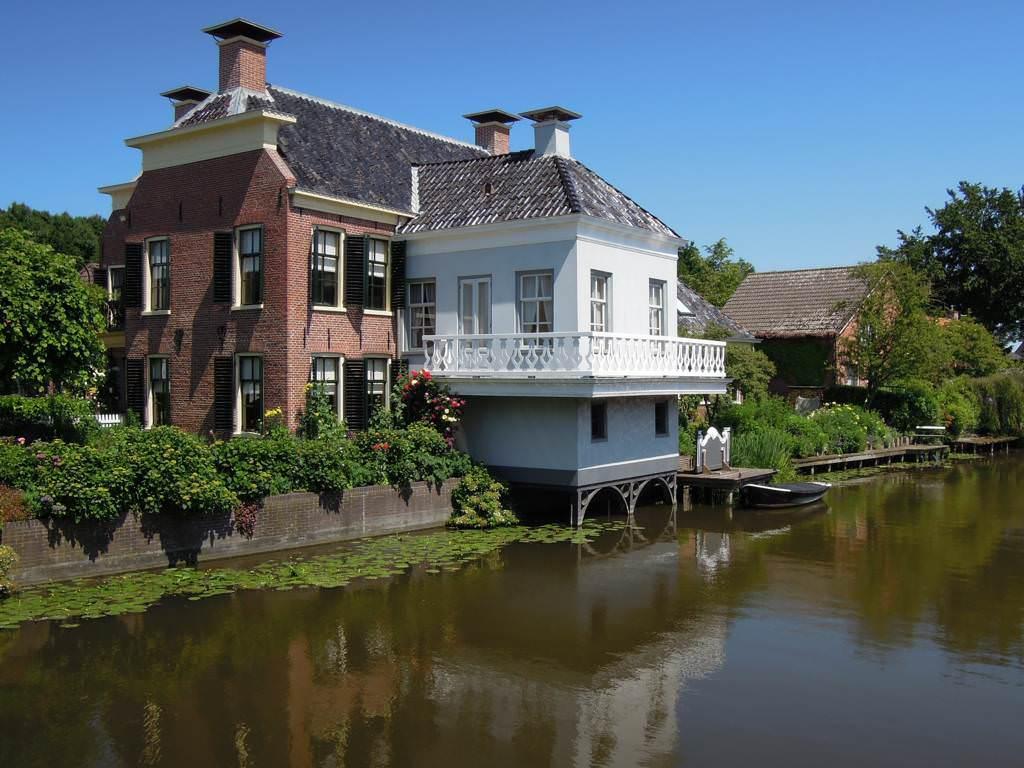 Haus am Wasser in Loppersum