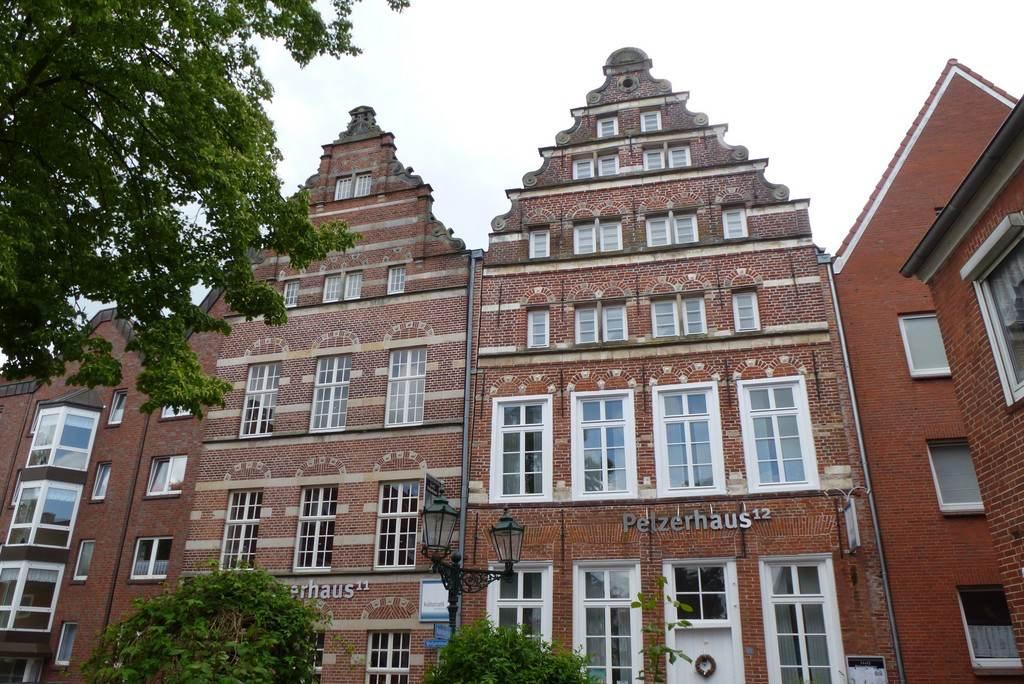 Pelzerhaeuser in Emden