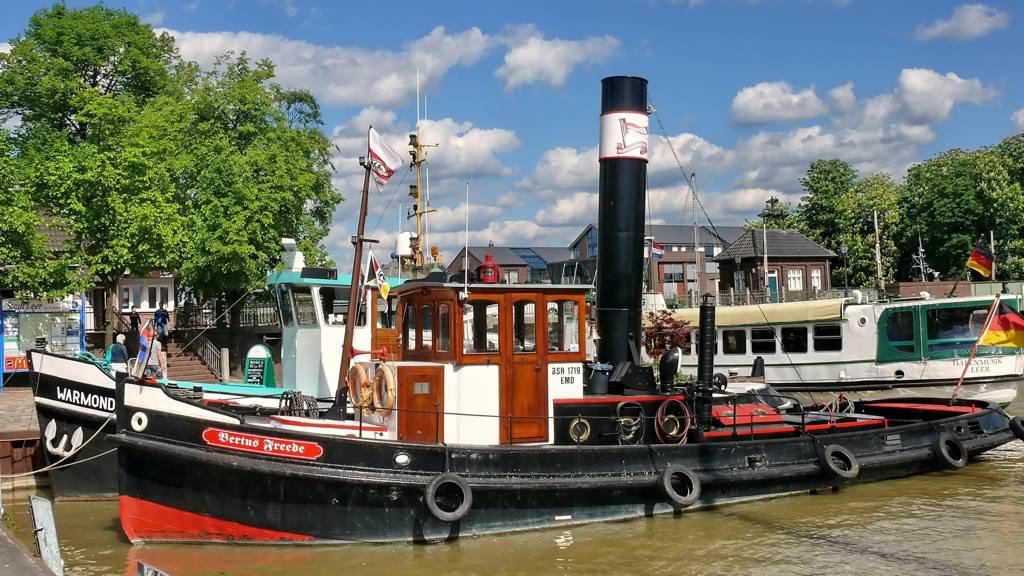 Boote im Freizeithafen Leer