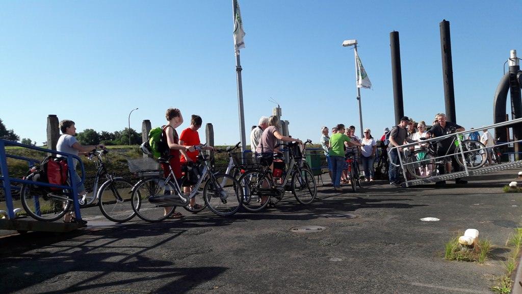 Fähreneinstieg in Emden