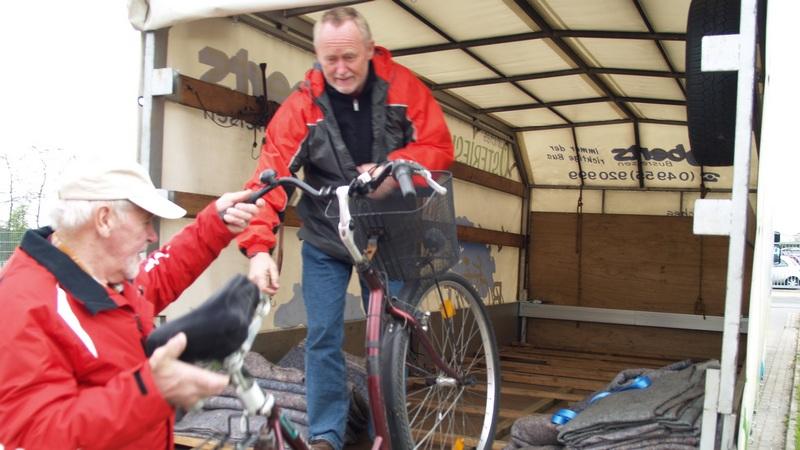 aufladen ins Fahrradtaxi